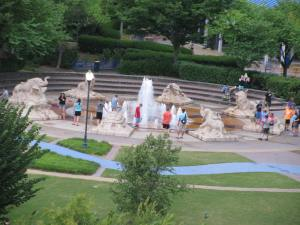 The fountain in Coolidge Park from the walking bridge.